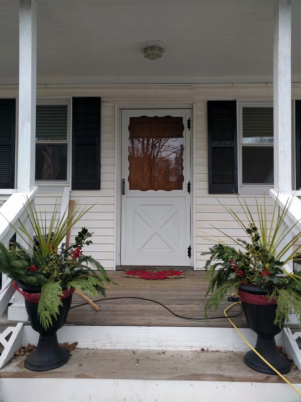 Scalloped Storm Door - Yuck.